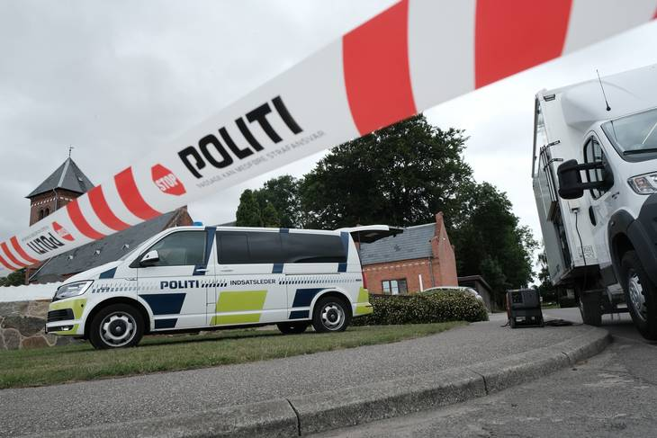 Politi har afspærret et område, hvor den 25-årige mand blev skudt. Foto: Per Rasmussen