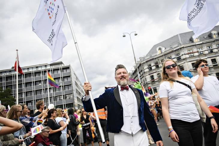 Forperson for Copenhagen Pride Lars Henriksen til paraden i 2018. Foto: Philip Davali