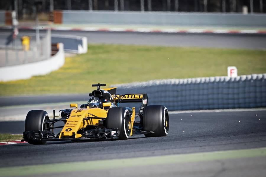 Nico Hülkenberg tester her for Renault i Barcelona. Foto: Jan Sommer