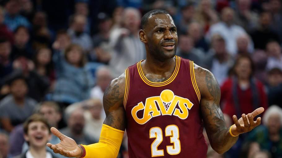 brand new d5680 e5b1a LeBron James er blevet yderligere forgyldt af Nike, der betaler stjernen  adskillige milliarder for at