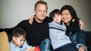 En dom fra EU-domstolen betyder at 26-års-reglen er droppet. Det første offer for dette er det højtuddannede dansk-amerikanske par Uffe Hellsten, 50, og Quynh Chau Tran Doan, 43. Foto: Gregers Tycho
