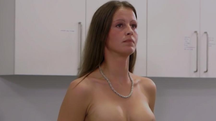 nøgne unge mænd plastik bryster