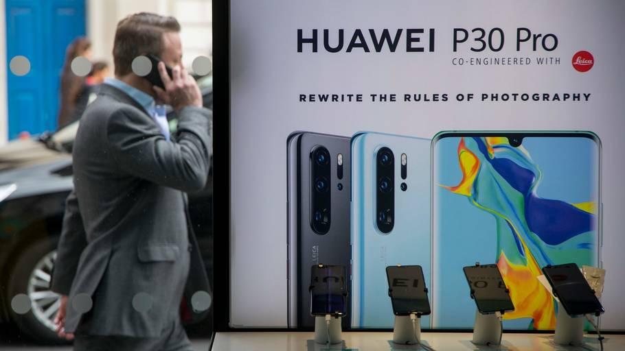 17df5e0689a Det er blandt andet Huaweis nye mobil, P30 Pro, der ifølge Reuters mister  adgangen