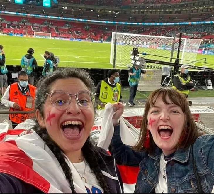 Nina Farroqi mistede jobbet, da England kom i finalen. Foto: Instagram