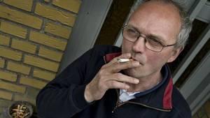 Lagerchef Svend Jørgensen, Rynkeby, blev  bortvist for at tænde en cigaret på sin arbejdsplads Orana. (Foto: Ole Frederiksen)