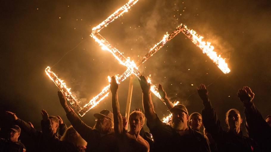I mindst fire år har Matthew G. Gebert deltaget i demonstrationer med andre nynazister - blandt andet i Charlottesville i 2017. Foto: Ritzau Scanpix