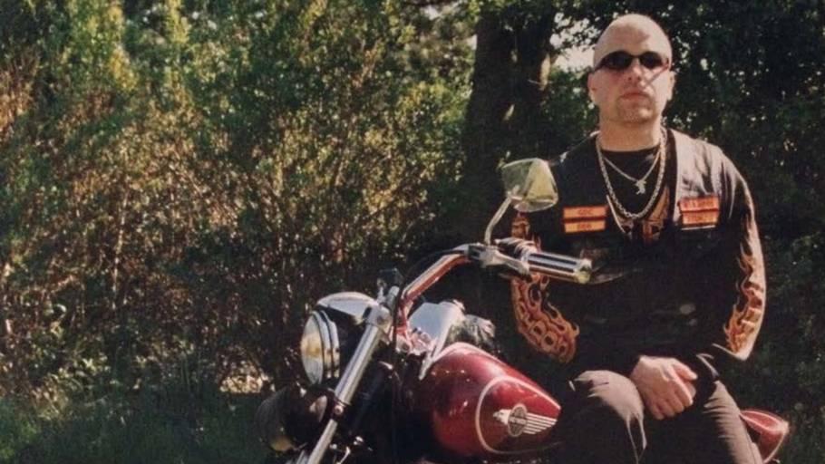 Lennart Elkjær i sine yngre dage. Han har afsonet 16 års fængsel for drab på tidligere bandebror. Nu er han igen bag tremmer. Pr-foto fra bogen 'Expect no mercy'.