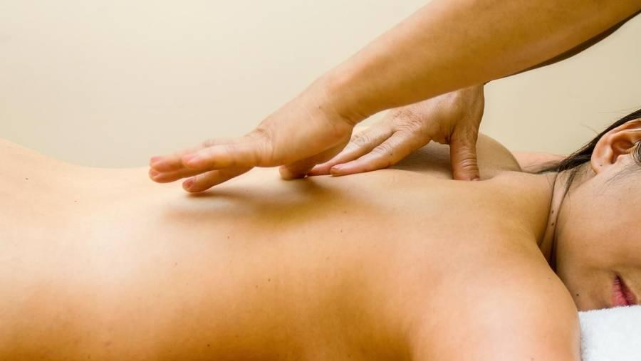 slarvig massage stort bröst