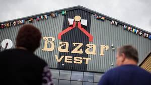 Bazar Vest, hvor skyderiet fandt sted lørdag eftermiddag. De afbildede personer har ikke noget med skyderiet at gøre. Arkivfoto: GONZALES PHOTO KASPER PALSNOV