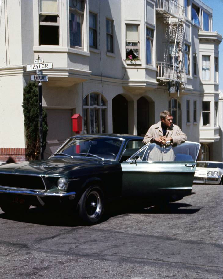 Steve McQueen med den berømte Mustang i filmen 'Bullitt'. PR-foto: Silver Screen Collection/Getty Images