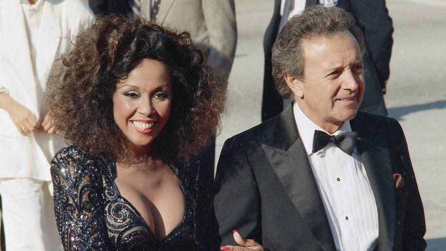 Ægteparret Vic Damone og Diahann Carroll i Los Angeles til Emmy Awards i 1986. Foto: AP