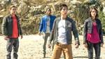 Fem teenagere finder et gaammelt rumskib og transformerer sig til superhelte i 'Power Rangers'. Foto: UIP