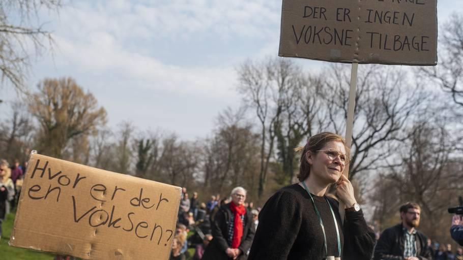 d1cdd84b Forældrebevægelsen 'Omsorg til vores børn nu' har i dag indkaldt til  demonstrationer over hele