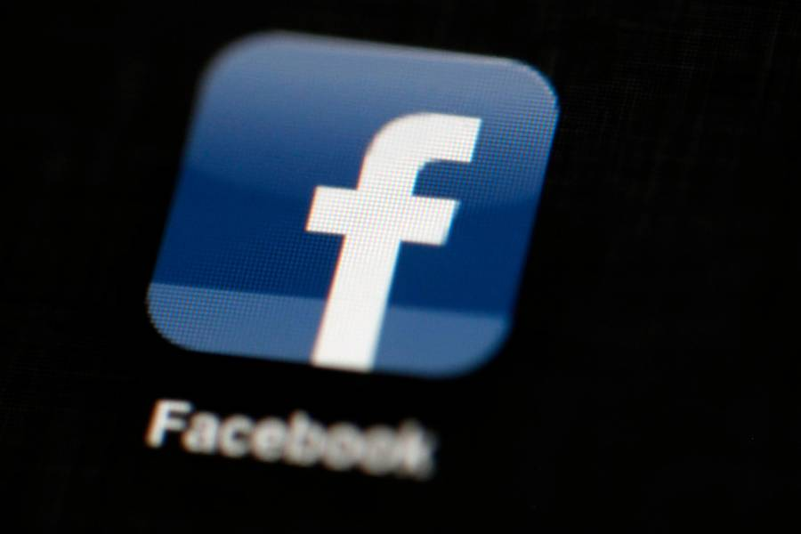 Facebook bruger tusindvis af lavlønnede freelancere til at holde netværket fri for uønsket indhold. Foto: Matt Rourke/AP