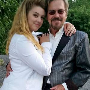 Elena Solomon dating coach