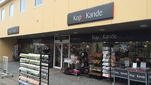 Imens kunderne stod foran butikken her i Sæby, så var dele af personalet i gang med at hamstre varer (Foto: PR-foto)