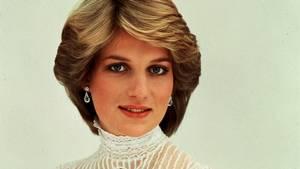 Billedet her er taget på prinsesse Dianas 21 års fødselsdag - kun et år efter hun blev gift med prins Charles. Foto: PA Photo