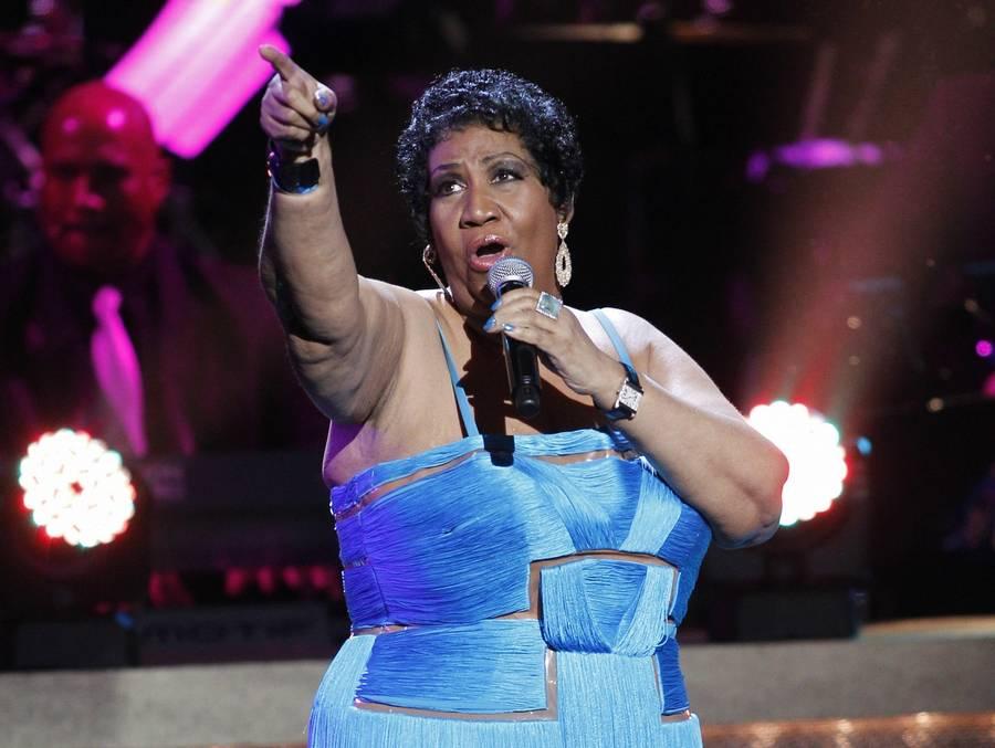 Aretha Franklin langer ud efter dem der mener, at legenden ikke er kendt nok til 'American Idol'. (Foto: AP/Jose Louis Magana).