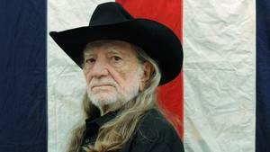 Willie Hugh Nelson - troubadouren fra Texas fortsætter ufortrødent i sin umiskendeligt skævt swingende stil. Foto: Sony