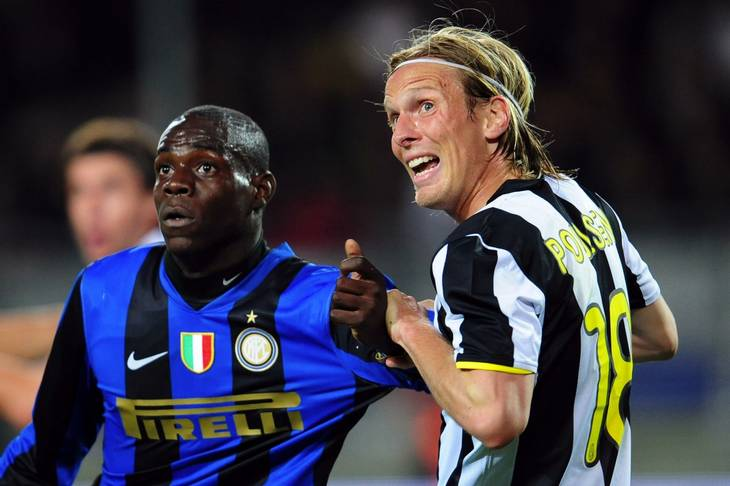 Christian Poulsen spillede i Juventus over for Mario Balotelli (Foto: AP)