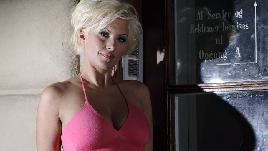 Kira Eggers udstillet som prostitueret i Holland - Ekstra