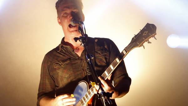 Josh Homme i centrum for Queens of the Stone Age. (Arkivfoto: Polfoto/Jen Maler)