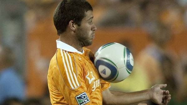 Houston Dynamos Colin Clark kom galt afsted i en kamp mod Seattle Sounders. (Foto: AP/Jon Eilts)