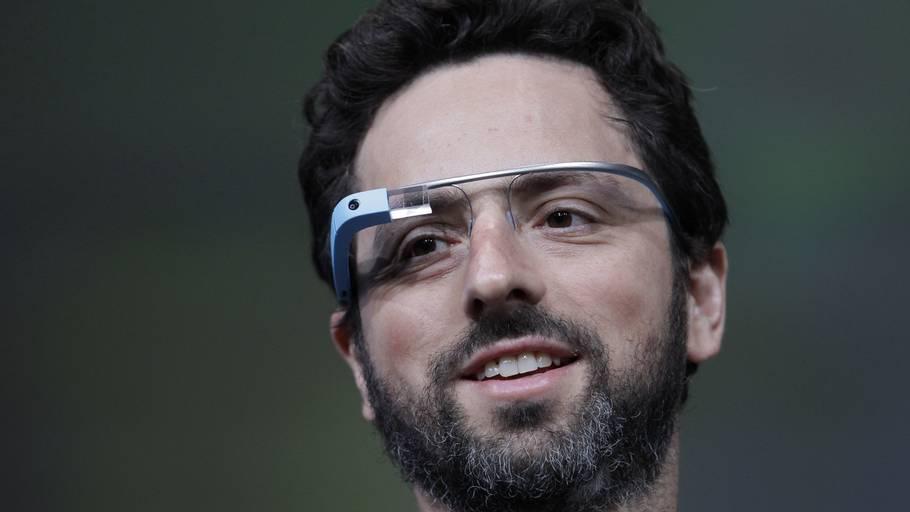 4140c26cfaed Google-medstifteren Sergey Brin demonstrerede Google s nye internet-briller
