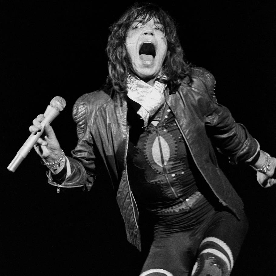 Mick Jagger - i flamboyant storform for medrivende The Rolling Stones. (Foto: PA)