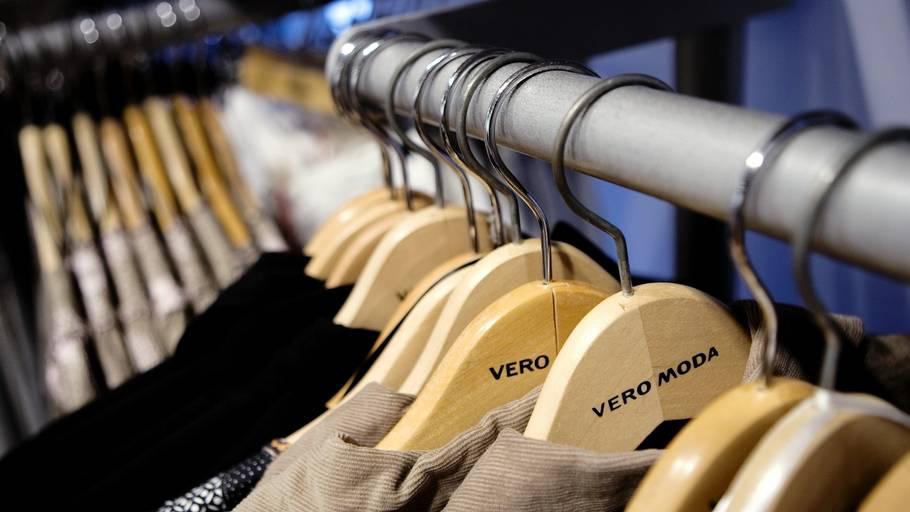 31e61a98399 Det danske tøjfirma Bestseller, der bl.a. sælger Vero Moda, fylder tøjet