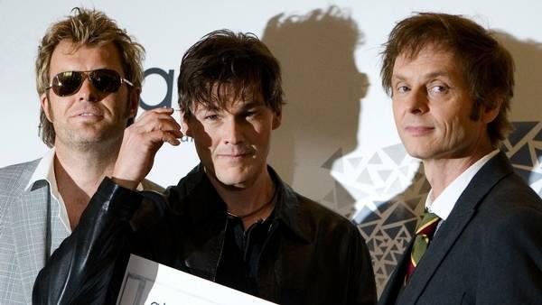 Fra venstre Magna Furuholmen, Morten Harket og Pal Waaktar-Savoy. (Foto: AP)