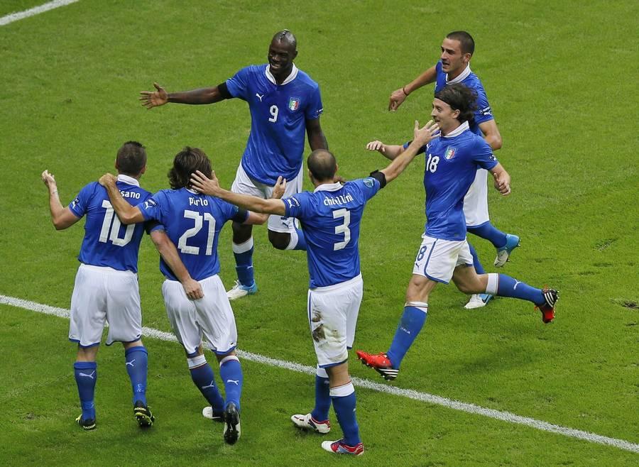 Italienerne giver med glæde Spanien favoritværdigheden før søndagens EM-finale. (Foto: AP)