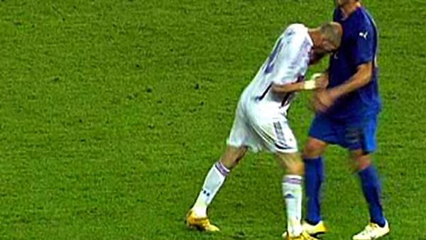 Zidane vil bruge hovedet uden for banen - på trænerbænken. (Foto: AP)