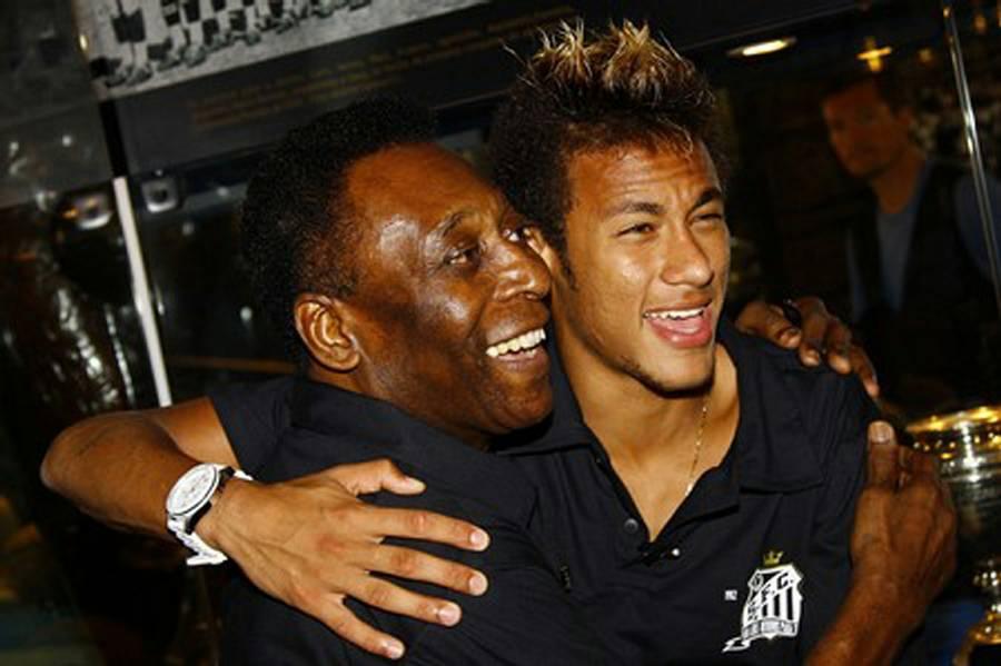 Pele og Neymar. To der står sammen. (Foto: AP)