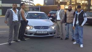 Familien Levakovic,  billede fra Facebook  På billedet ser  man fra højre Gimi, Santino, Jimmi, Jura og Valentino