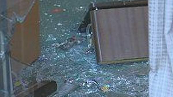 2525419eba3 Sådan så Hvelplund-butikken i Scandic Hotel ud, da der havde været ubudne  gæster