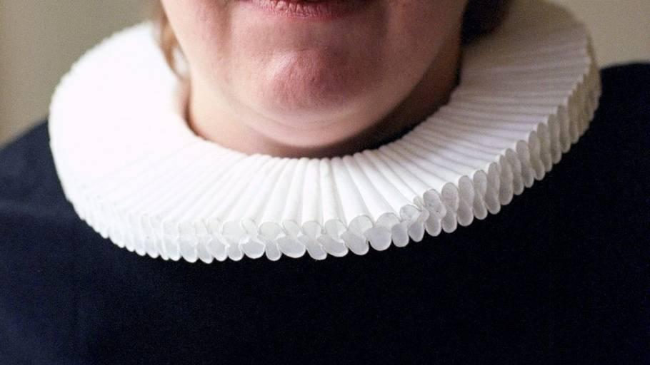 1dbd019e470 Kristeligt Dagblad skriver, at en 35-årig kvindelig præst, forfatter og  kendt debattør