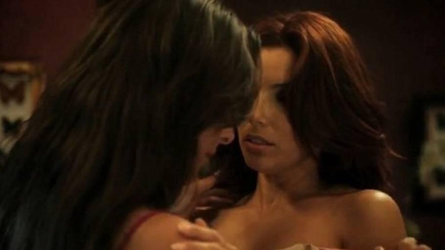 Lesbiske sprænger på hinanden