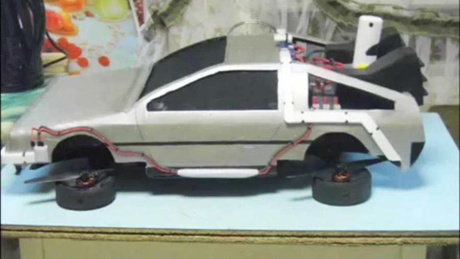 Og sådan her ser den endelige 'Tilbage til Fremtiden'-bil så ud.