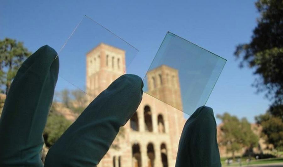 Det nyskabende solceller er næsten 70 procent gennemsigtige for det menneskelige øje. (Foto: UCLA)