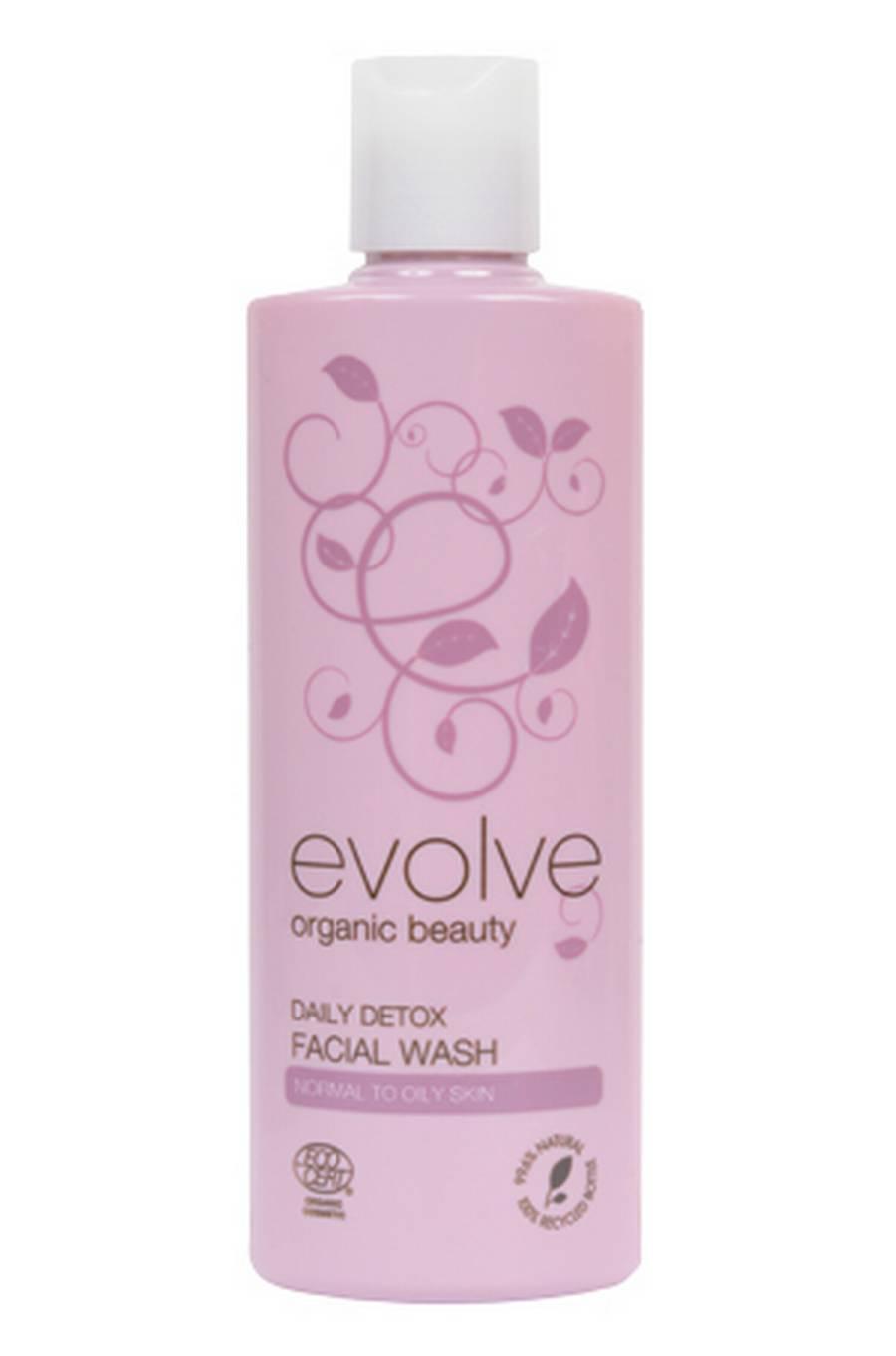 Prøv den let skummende ansigtsrens eller den mælkehvide body polish med ultrafine korn af kokosnøddeskal.Daily Detox Face Wash fra Evolve hos Soulandscent.com, 139 kr.