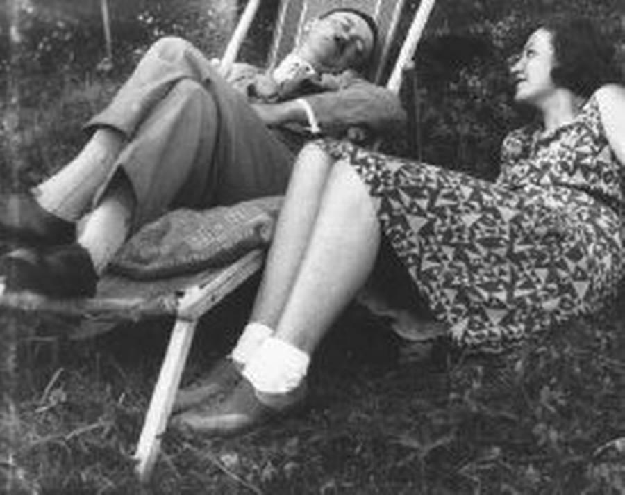 Hitler og Geli. Hun afskyede hans lyster. (Polfoto)