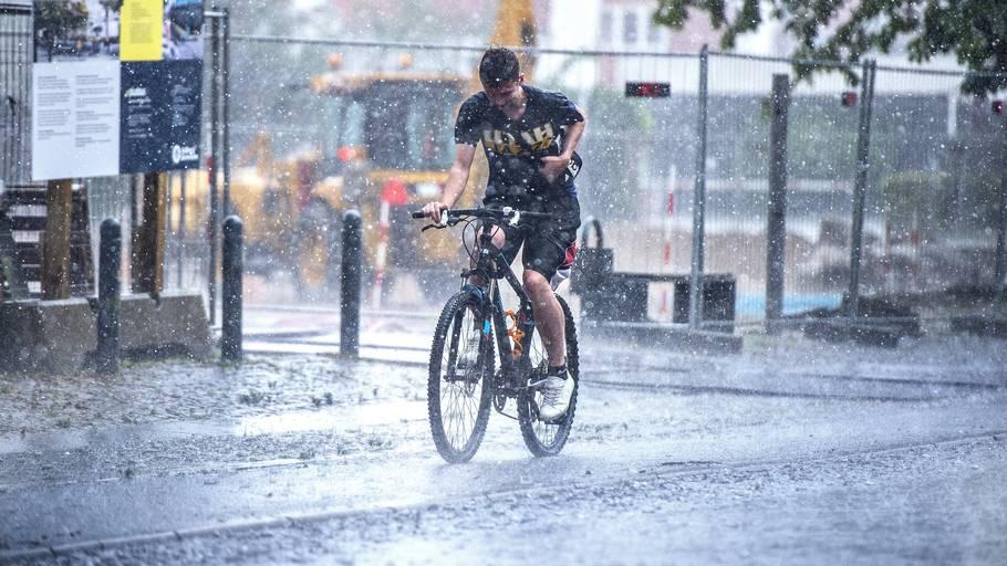 Det kan blive rigtig vådt i dele af Jylland i eftermiddag. Arkivfoto