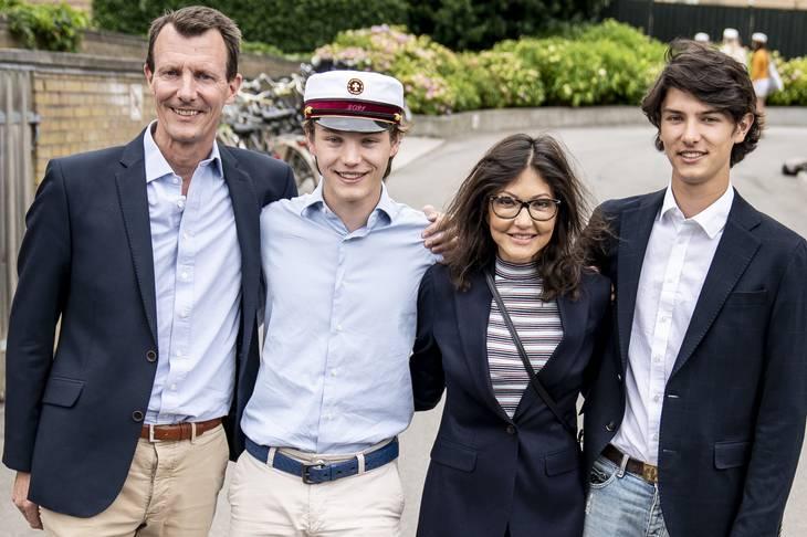 I sidste uge blev prins Felix student, og her var hele familien derfor samlet. Foto: Mads Claus Rasmussen/Ritzau Scanpix
